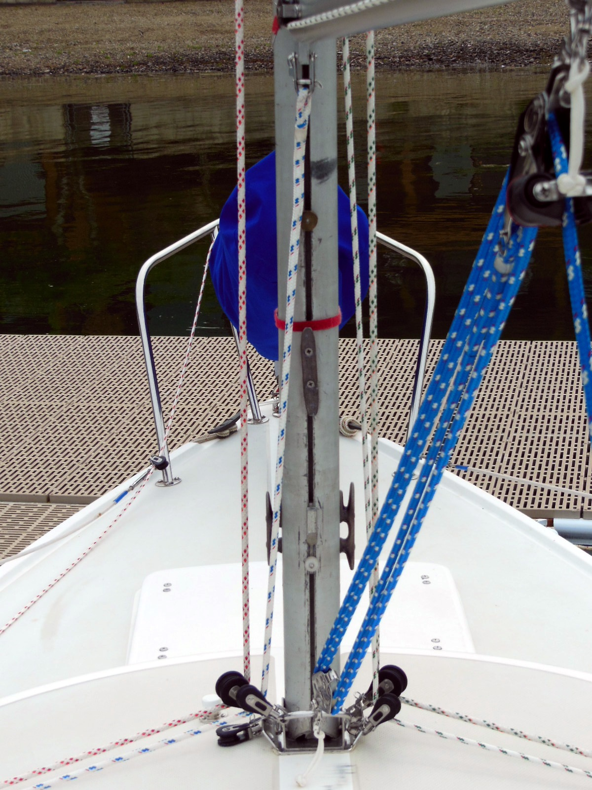 Control Mainsail Draft with a Boom Downhaul – The $tingy Sailor