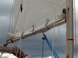 Mainsail reefed with a single line