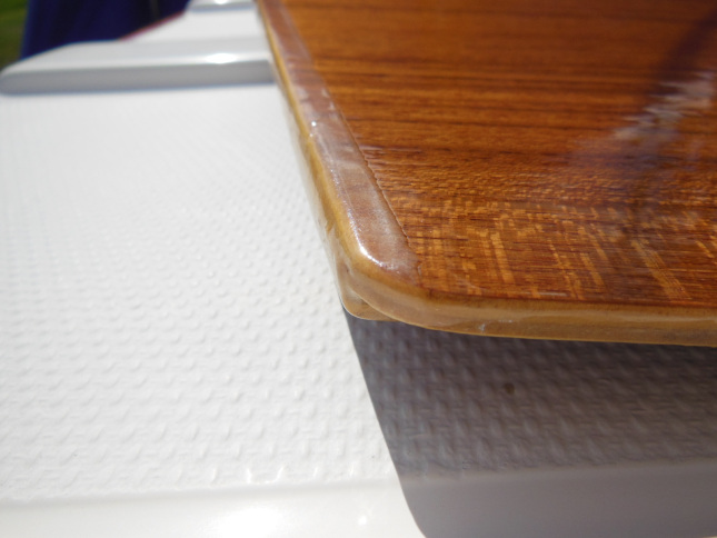 Epoxy wear protection on the crib board edges