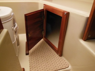 Under V berth storage